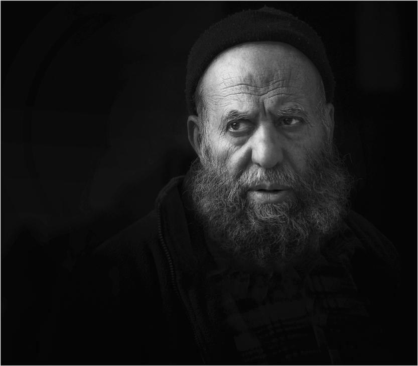 """фото """"Сгущается сумрак осенний..."""" метки: портрет, черно-белые, мужчина"""