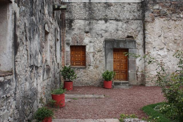 """photo """"La Casona"""" tags: architecture, black&white, landscape,"""