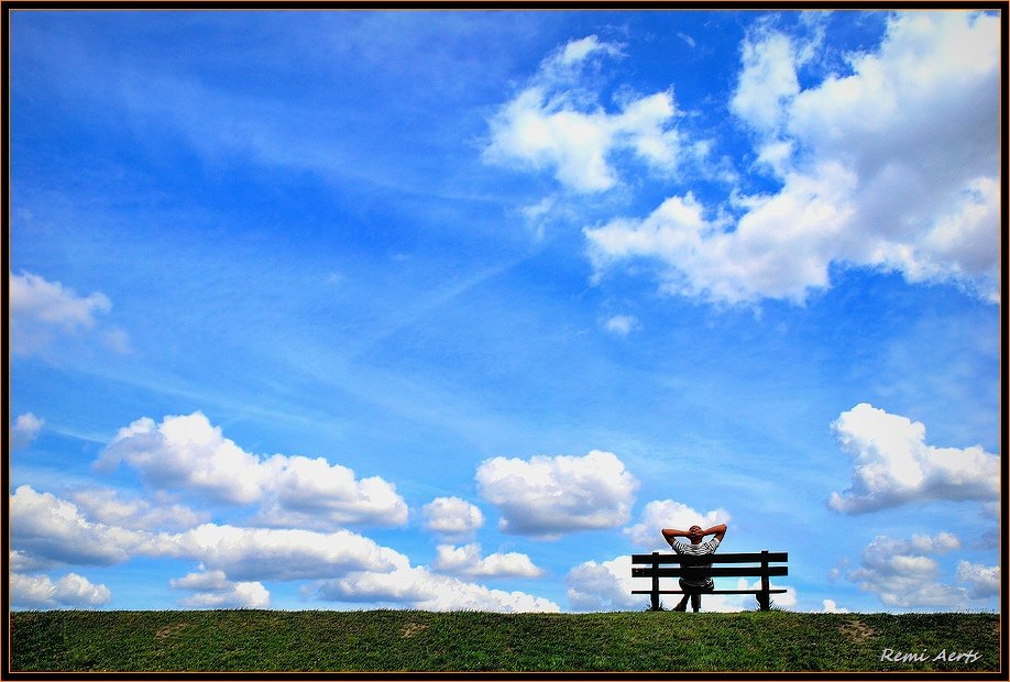 """photo """"whew! nice relaxing"""" tags: landscape, reporting, clouds"""