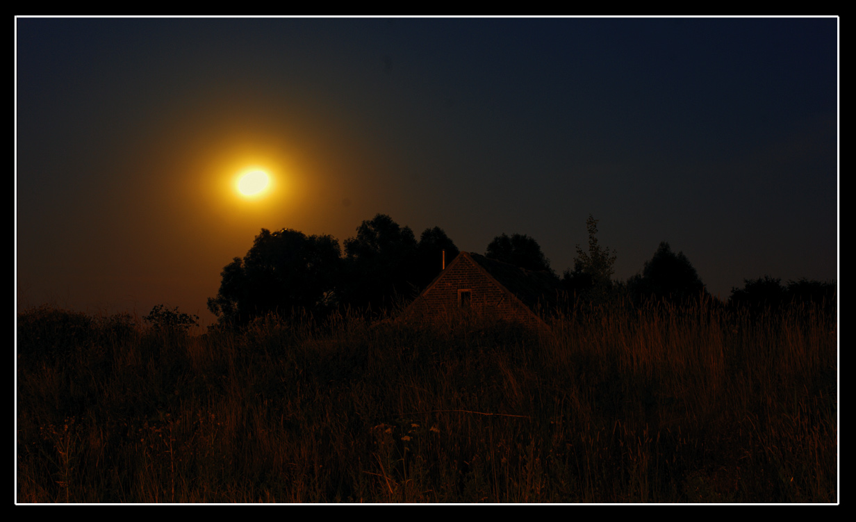 "photo ""Under the full moon"" tags: landscape,"