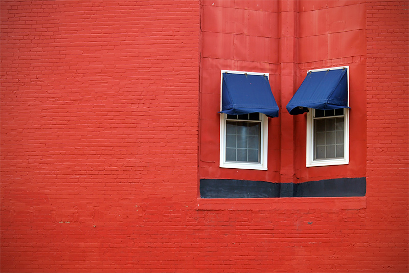 "photo ""face to face"" tags: architecture, abstract, landscape,"