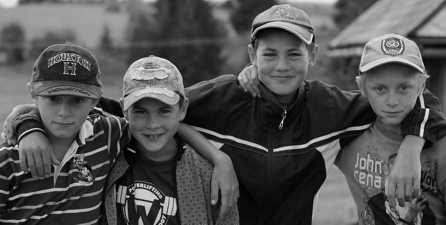 """фото """"4 casual 4 soul 4 friend 4 ever"""" метки: портрет, черно-белые, дети"""