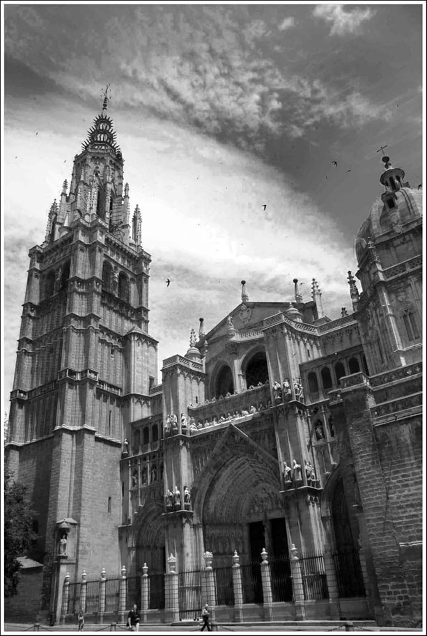 "photo ""Cathedral"" tags: travel, black&white, Europe"