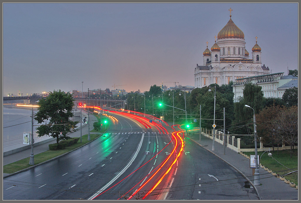 "photo ""Moscow ... 5 am"" tags: city,"