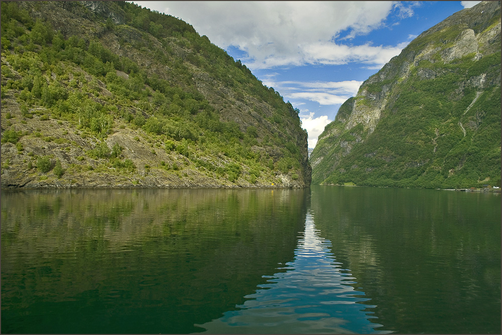 "photo ""narrow fiord"" tags: landscape, travel, Europe, mountains"