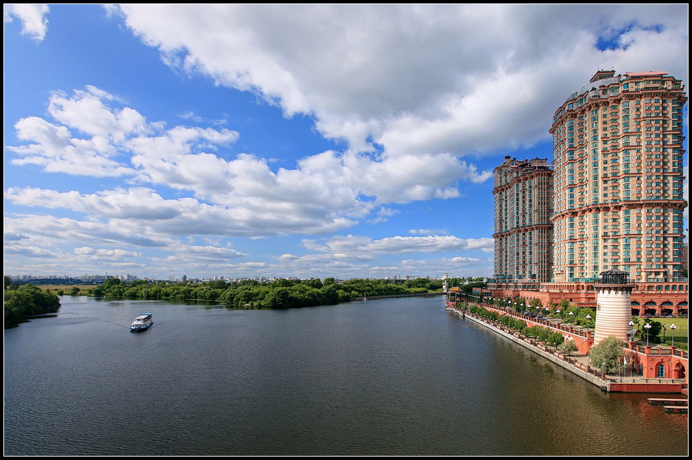 "photo ""Moscow river"" tags: architecture, landscape, water"