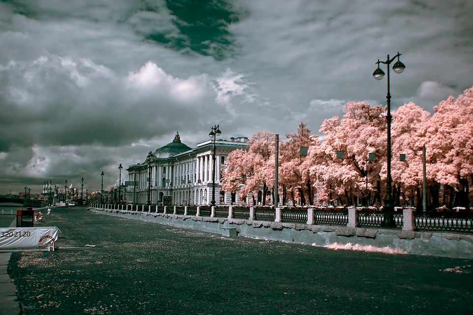 "photo ""infrared S.Petersburg"" tags: architecture, landscape,"