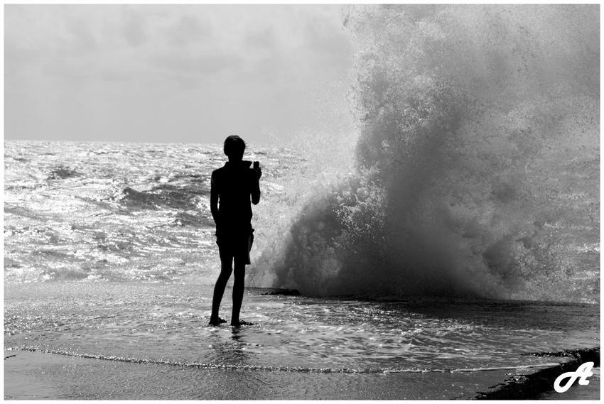 "фото ""Охотник за волнами"" метки: черно-белые, жанр,"