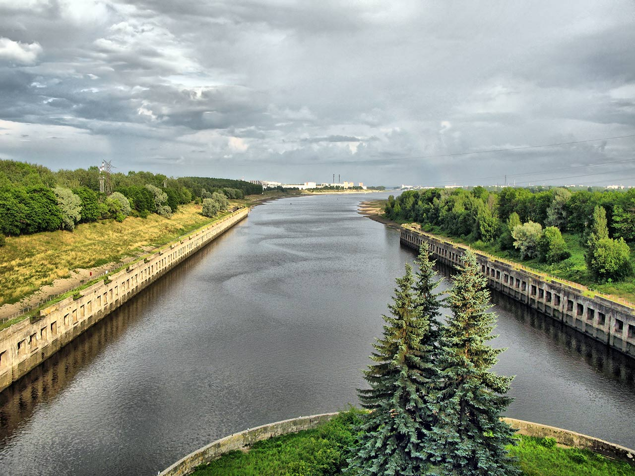 "photo ""View from the gateway of Rybinsk HPP"" tags: landscape, architecture, water"