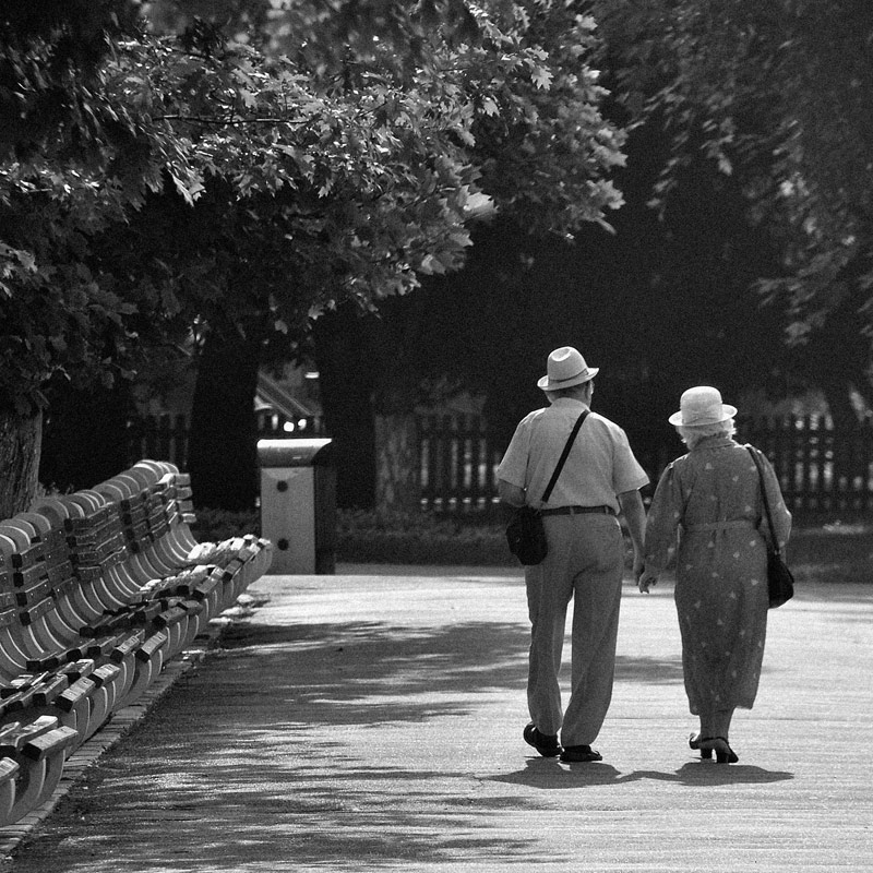 "photo ""Morning walk"" tags: black&white, city,"