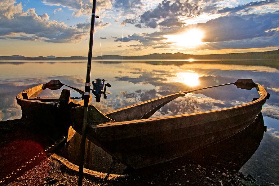 озеро с лодкой новосибирск