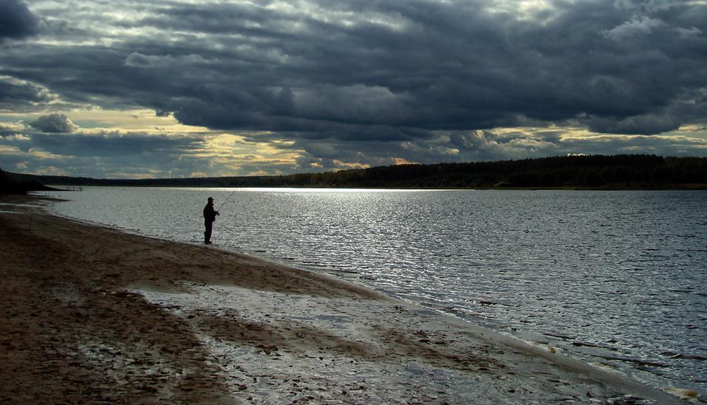 """фото """"Рыбак и осень..."""" метки: пейзаж, жанр, осень"""