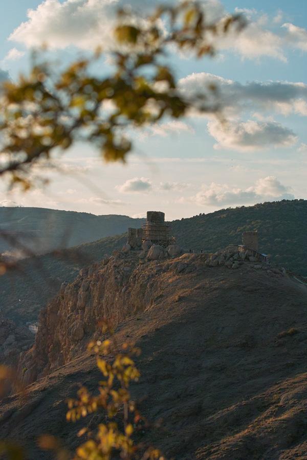 """фото """"Балаклава, крепость Чембало"""" метки: пейзаж, горы, осень"""