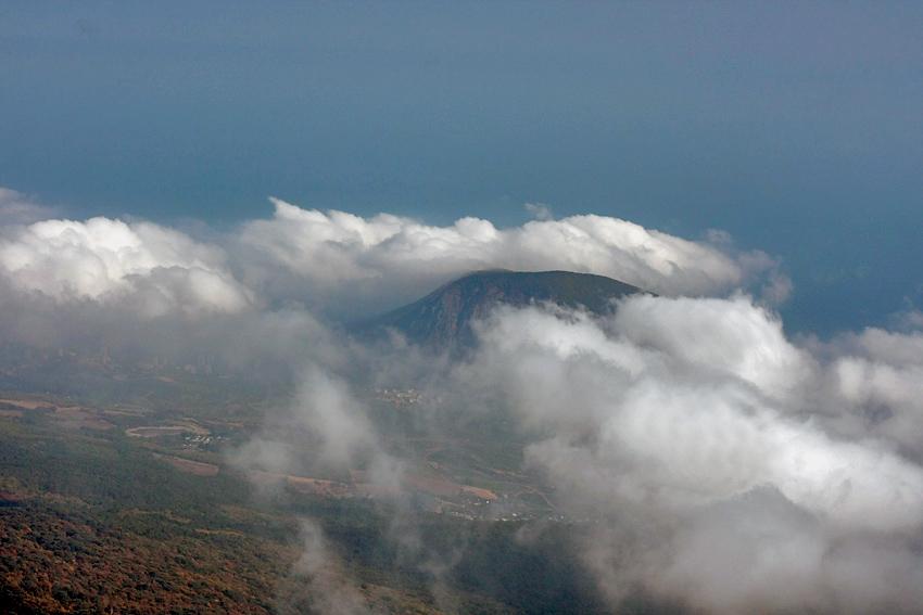 """фото """"Крым. Аюв-Даг (Медведь-гора)"""" метки: пейзаж, горы, облака"""