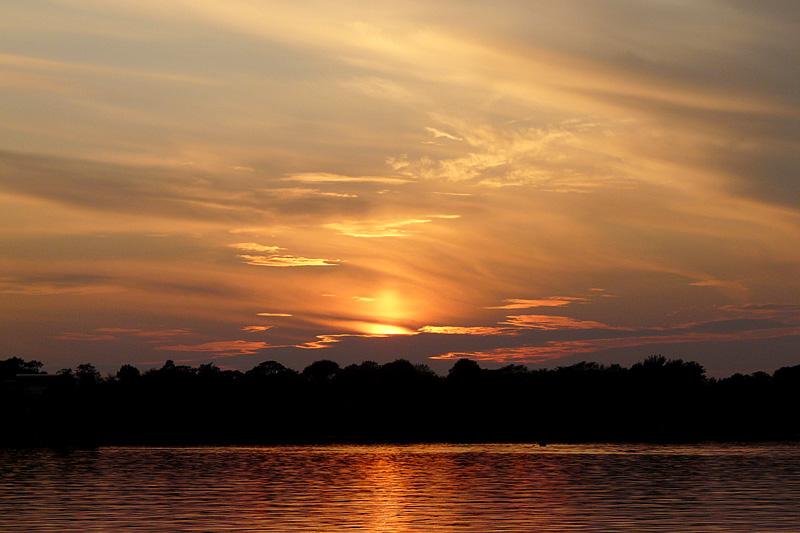 "фото ""Autumn sunset"" метки: пейзаж, вода, закат"