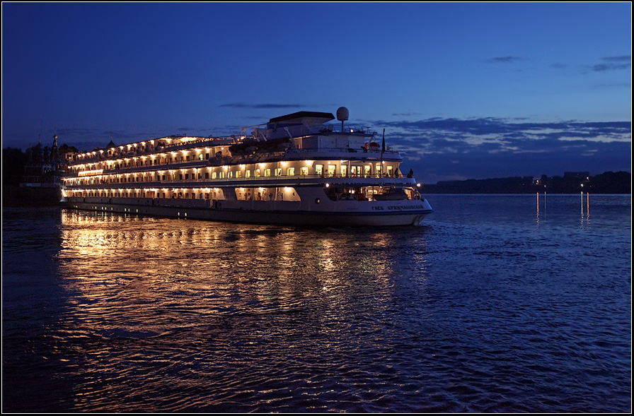 """фото """"и корабль плывёт"""" метки: пейзаж, вода, закат"""
