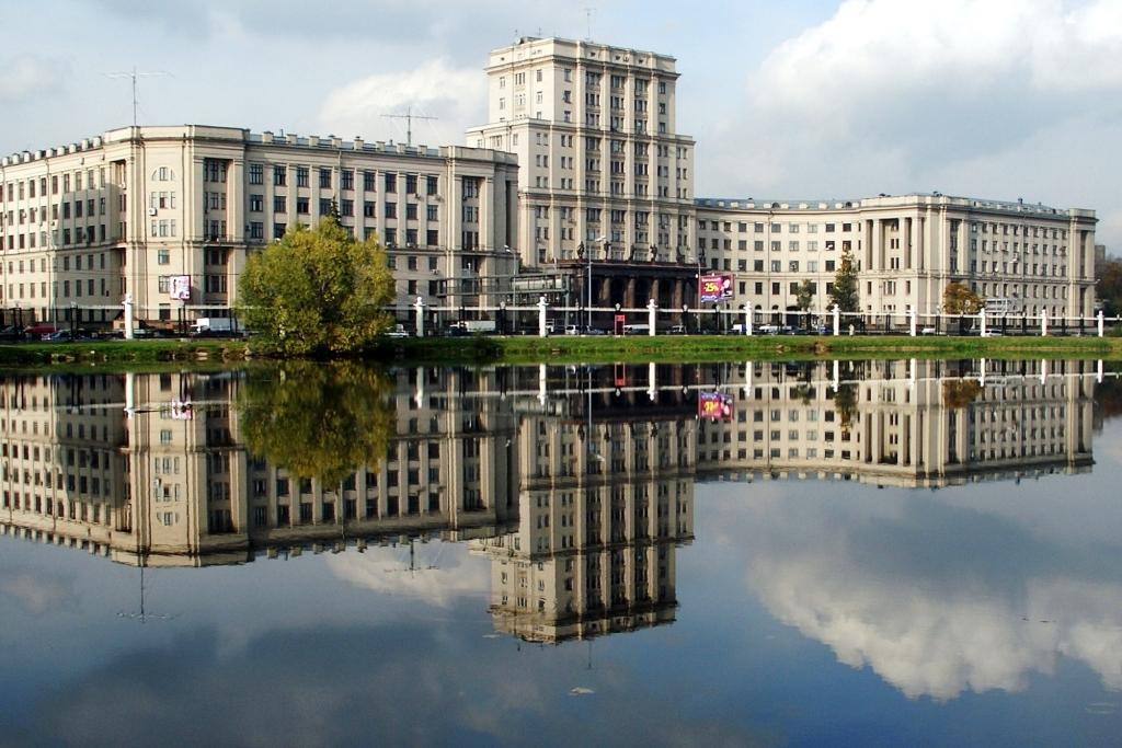 """фото """"Архитектура отражений. Москва"""" метки: пейзаж, вода"""