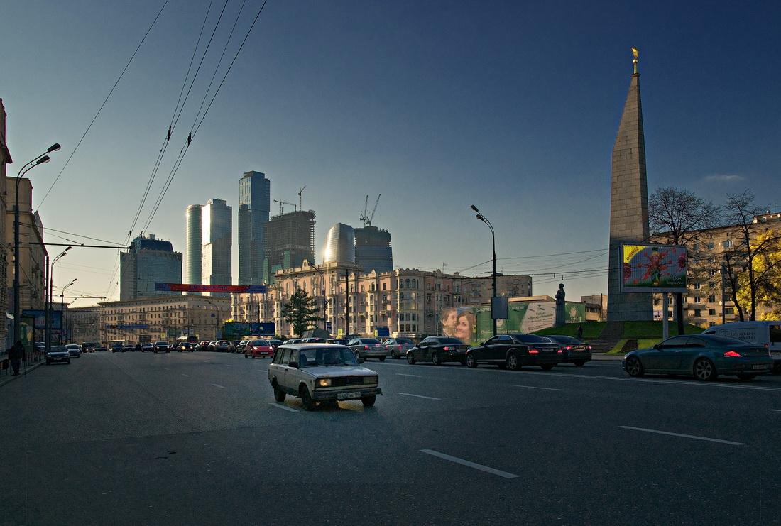 """фото """"Путь автопрома или Особенности отечественной символики"""" метки: город,"""
