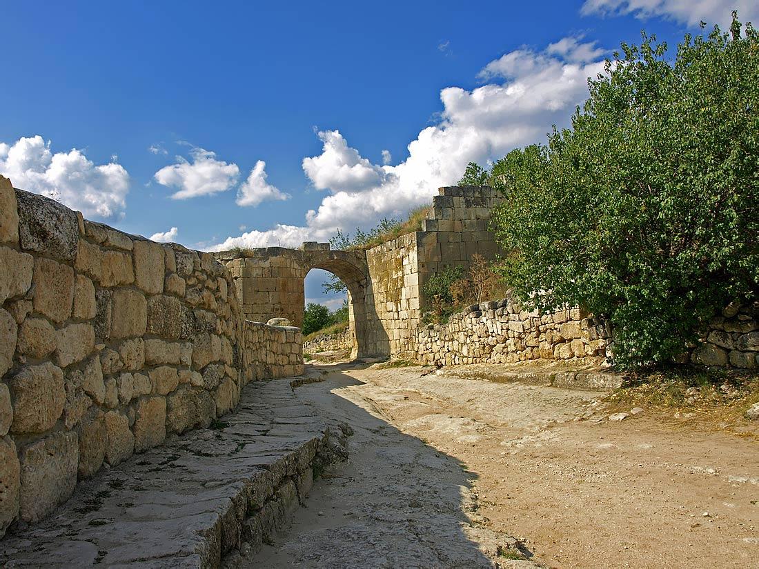 """фото """"Чуфут-Кале-3"""" метки: архитектура, путешествия, пейзаж, Европа"""