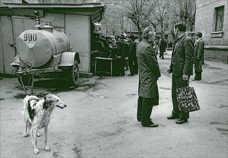 "фото ""Свежее Пиво 1988"" метки: жанр, черно-белые,"