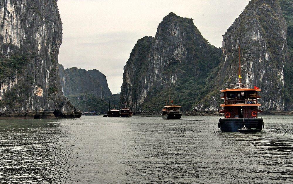 "фото ""Бухта Халонг."" метки: пейзаж, путешествия, Азия, вода"