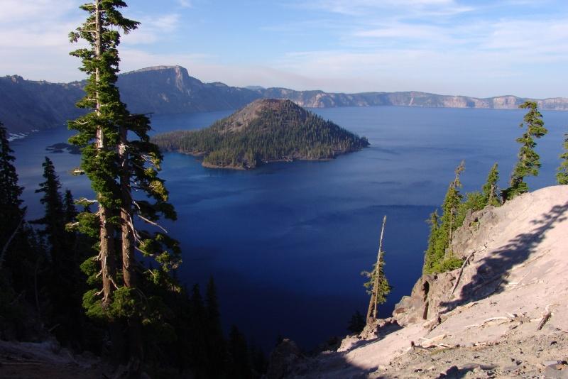 """фото """"островок"""" метки: пейзаж, вода, горы"""