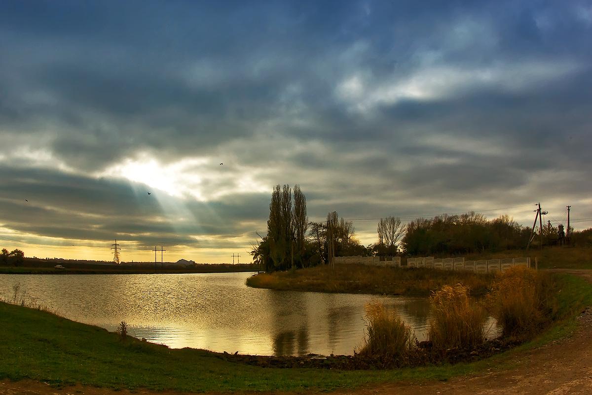 """фото """"Свет, прорвавший небеса"""" метки: пейзаж, осень"""