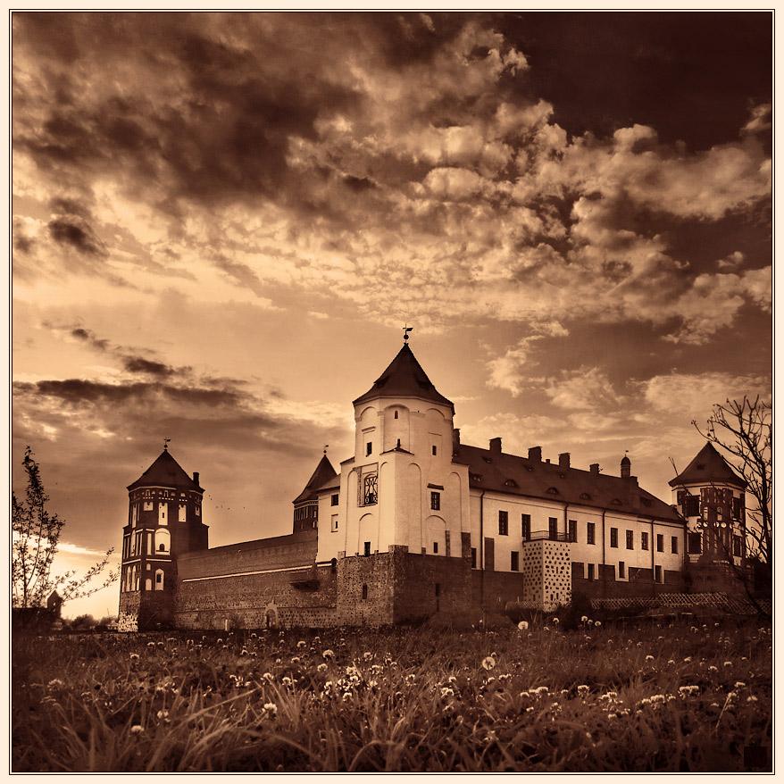 "фото ""Мирский замок. Вечереет"" метки: архитектура, пейзаж,"