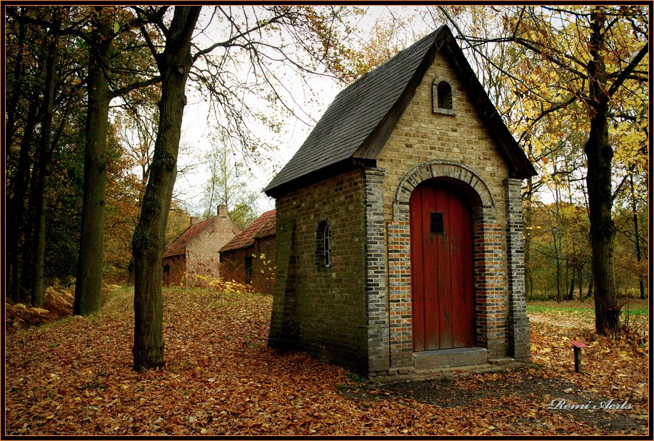 "фото ""little chapel"" метки: архитектура, пейзаж, осень"
