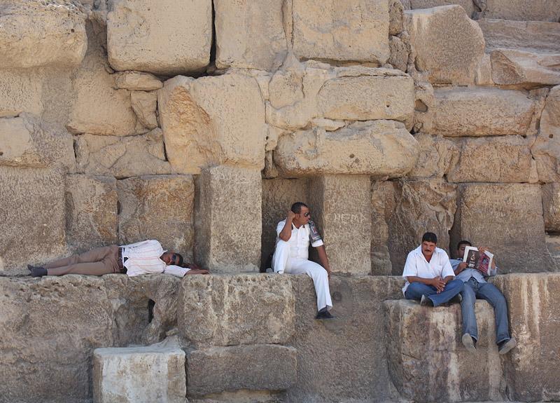 """фото """"Сиеста у подножья пирамиды"""" метки: жанр, репортаж,"""