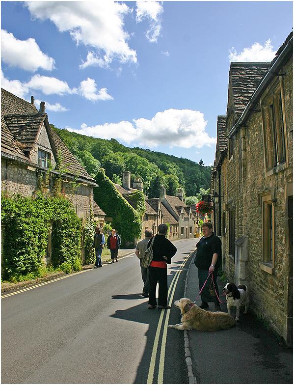 """фото """"Любовь к животным. Прогулка в деревне  Castle Combe."""" метки: архитектура, путешествия, пейзаж,"""