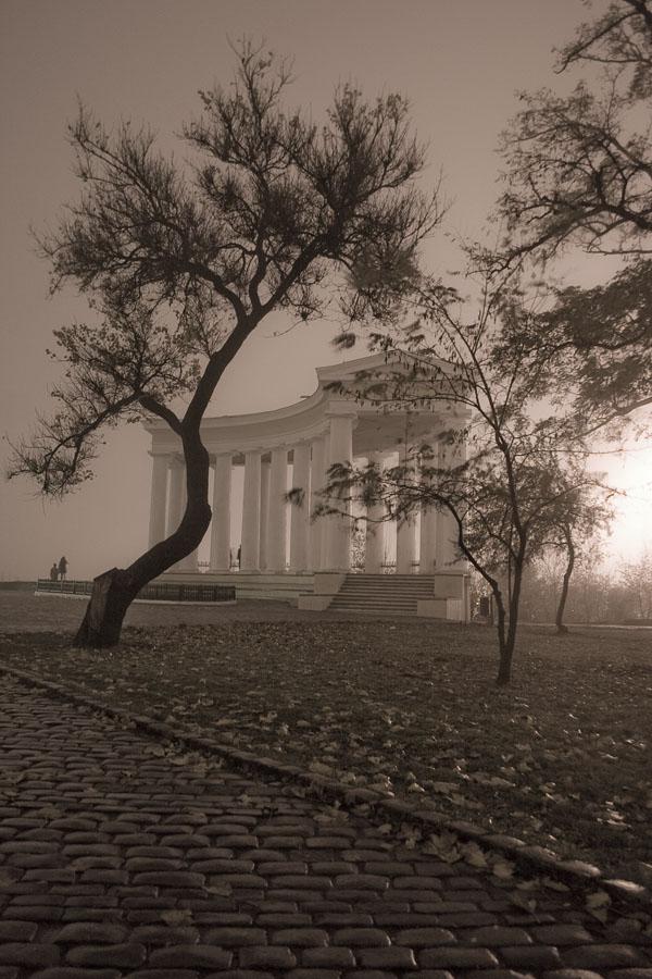 """фото """"Ночерняя Одесса"""" метки: город, черно-белые,"""