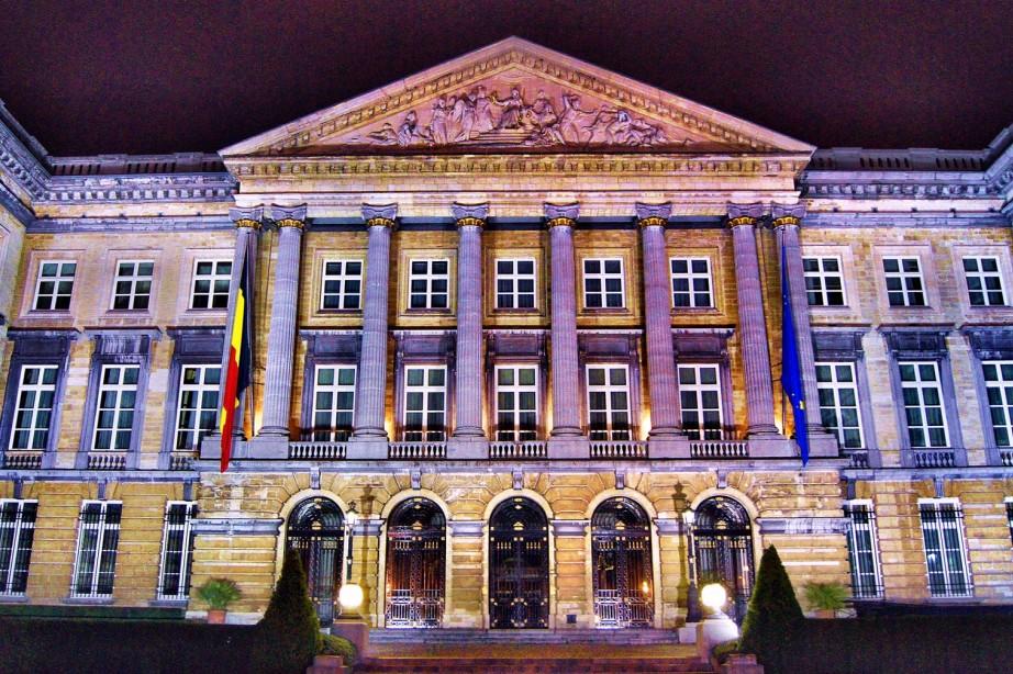 """фото """"Belgian Parlement   (test Sony A500 at ISO1600)"""" метки: архитектура, путешествия, пейзаж, Европа"""