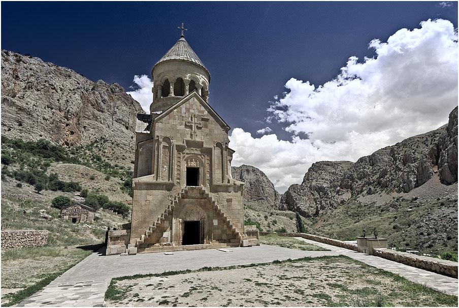 "фото ""Церковь в горах"" метки: архитектура, пейзаж,"