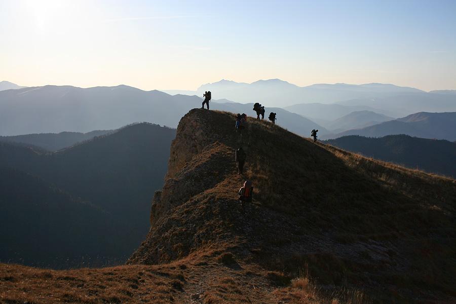 """фото """"Пустил к себе на спину"""" метки: пейзаж, жанр, горы"""