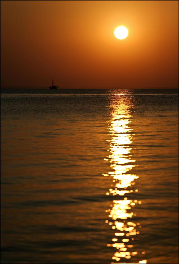 """фото """"Одинокий странник"""" метки: пейзаж, вода, закат"""