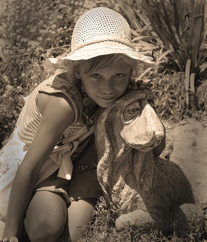 """фото """"пес и озорница"""" метки: портрет, черно-белые, дети"""