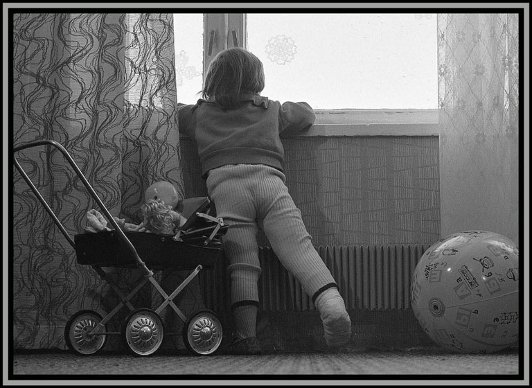 "фото ""1980 г. За окном."" метки: жанр,"