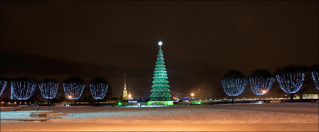 "photo ""Happy New Year !"" tags: landscape, city, night"