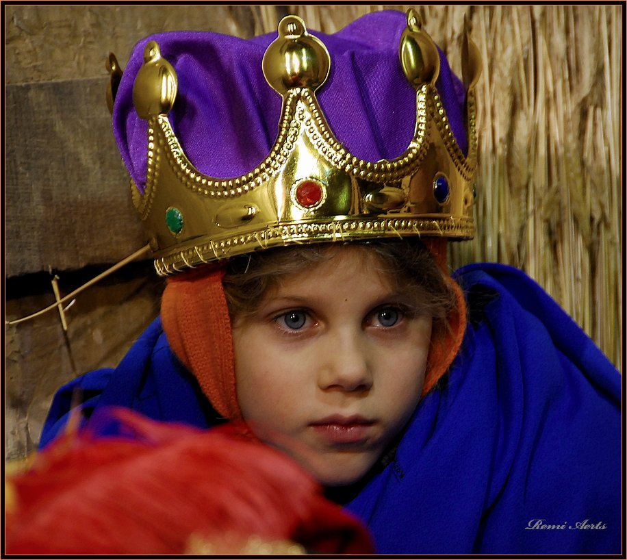"""photo """"little king"""" tags: portrait, reporting, children"""