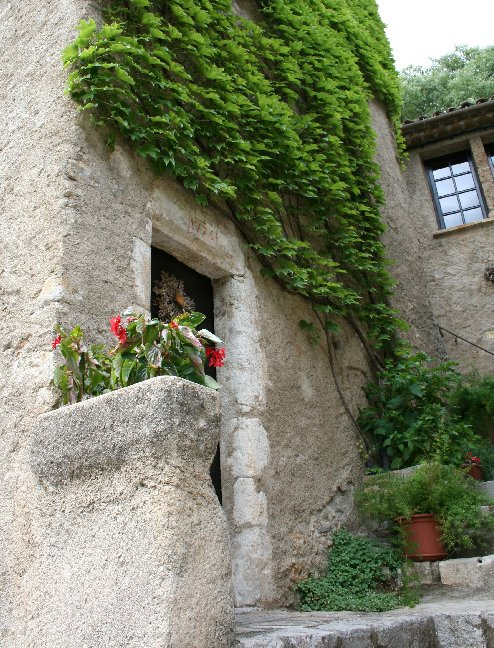 "photo ""St. Guilhem le desert, France: a corner"" tags: landscape,"