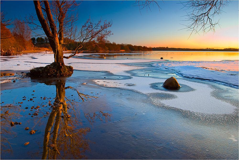 "photo ""Walking along the Lake"" tags: landscape,"
