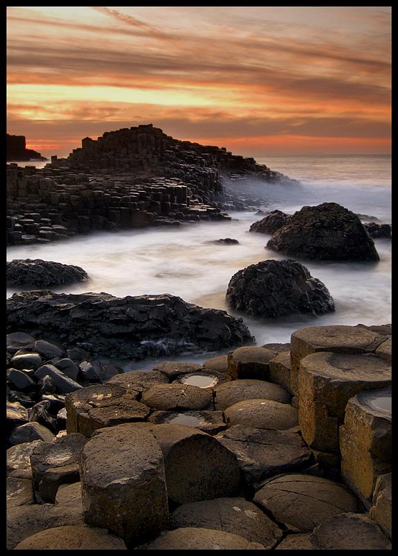 "фото ""Giant's Causeway"" метки: пейзаж, вода, закат"