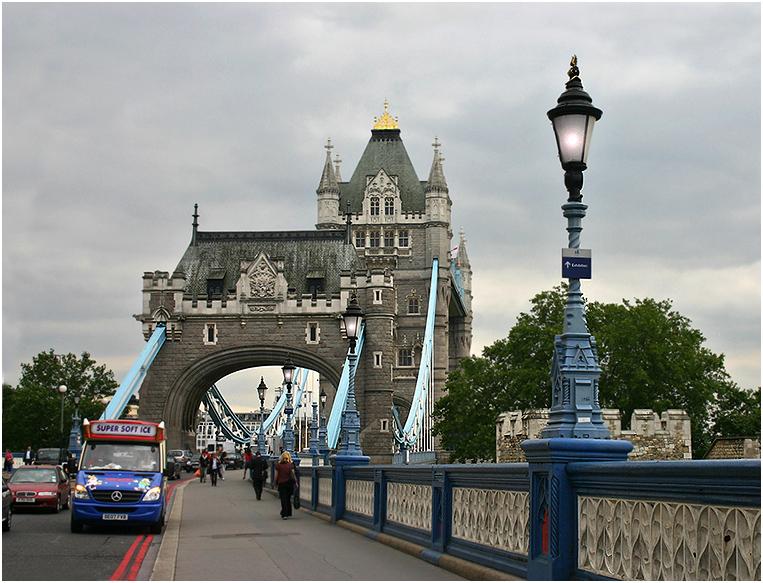 "photo ""Multi-coloured London."" tags: travel, city, Europe"