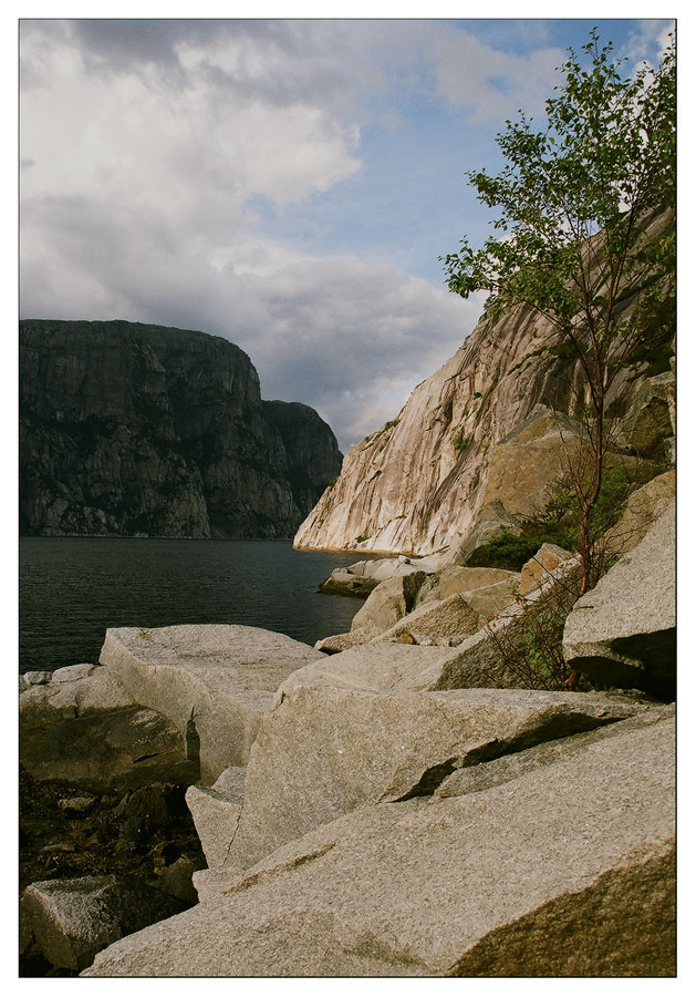 "photo ""Norwegian rock"" tags: travel, landscape, Europe, summer"