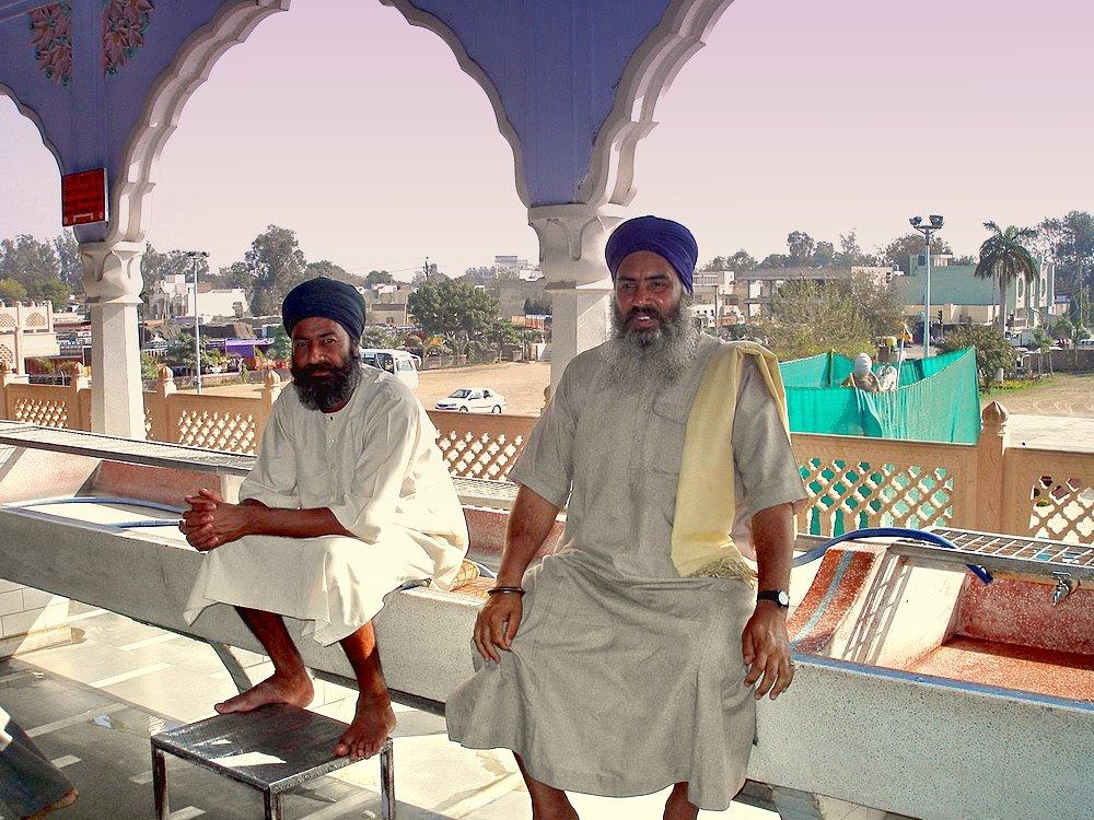 """фото """"скамейка запасных старцев."""" метки: портрет, путешествия, Азия, мужчина"""