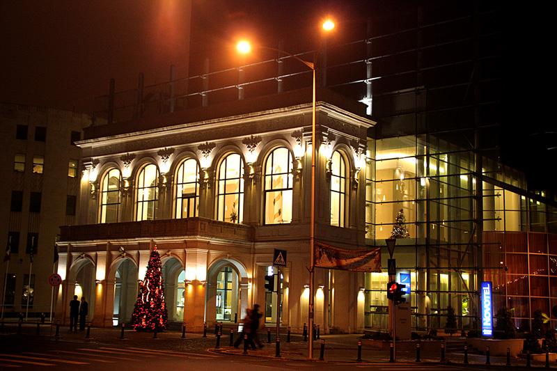 """фото """"Night of December"""" метки: архитектура, пейзаж, building, night, Бухарест"""