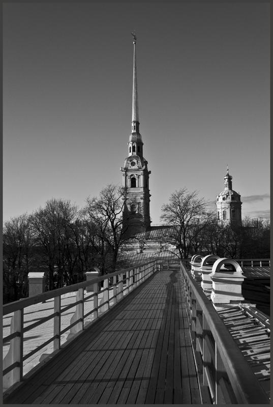 """фото """"на Петропавловке."""" метки: черно-белые, город,"""