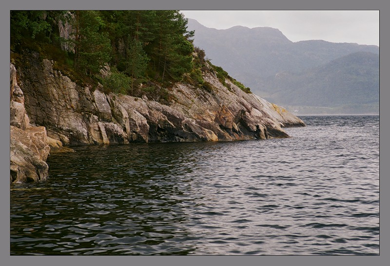 "photo ""Norwegian coast"" tags: landscape, travel, Europe, water"