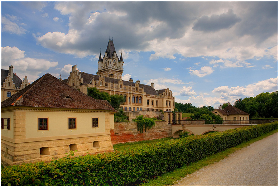"photo ""Grafenegg. Other foreshortening"" tags: architecture, travel, landscape, Europe"